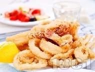 Рецепта Пържени панирани калмари в яйца и брашно
